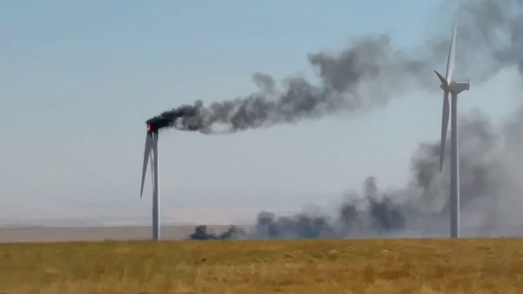 Witnesses say broken wind turbine caused several hundred acre fire